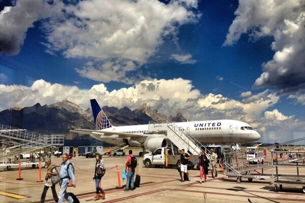 Airport, Jackson Hole, spring vacation