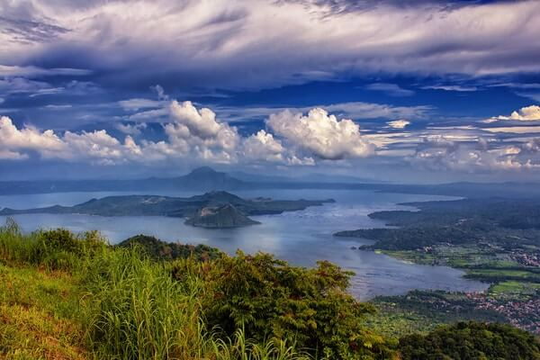 Taal Lake; Beautiful Lakes