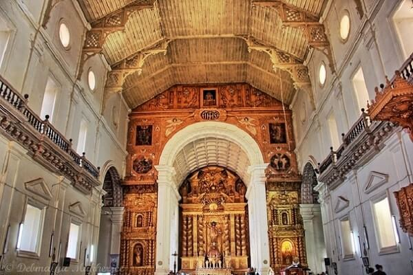 Basilica of Bom Jesus interior