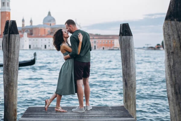 Choose The Destination Best Tips To Plan A Romantic Honeymoon In Budget
