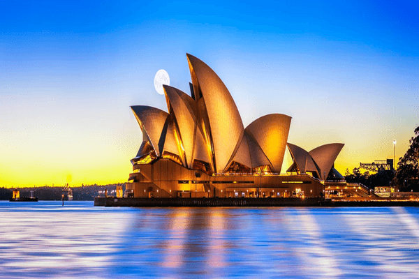 Opera House   Famous Landmark