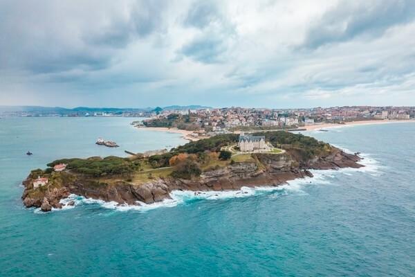 Robertson Crusoe Island
