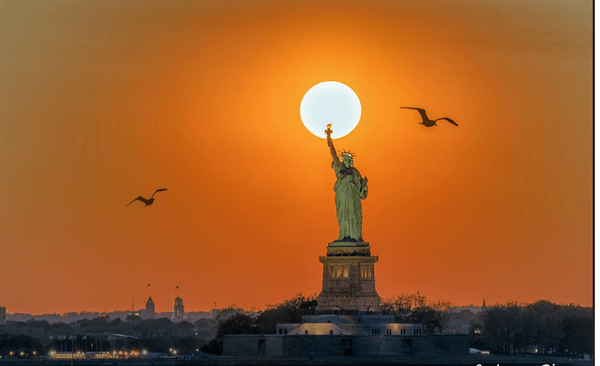 Statue of Liberty   Famous Landmark