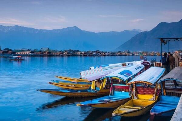 Dal Lake; most beautiful lake in the world; Beautiful Lakes