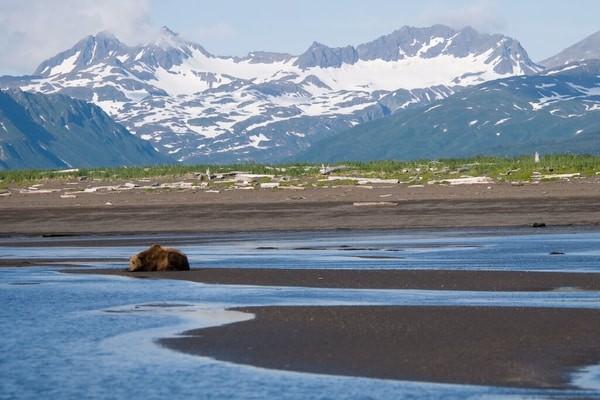 Katmai National Park; famous places to visit in Alaska