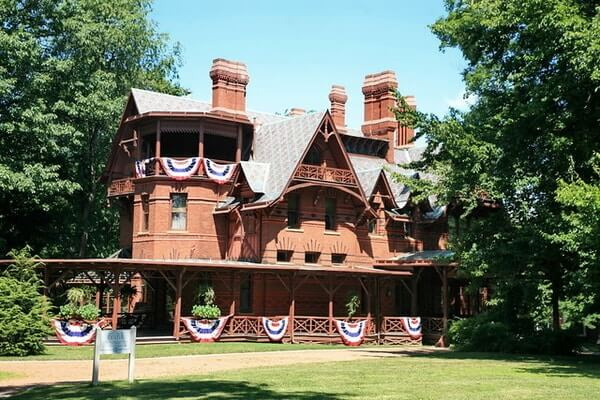 Mark Twain House; Places to Visit in Connecticut
