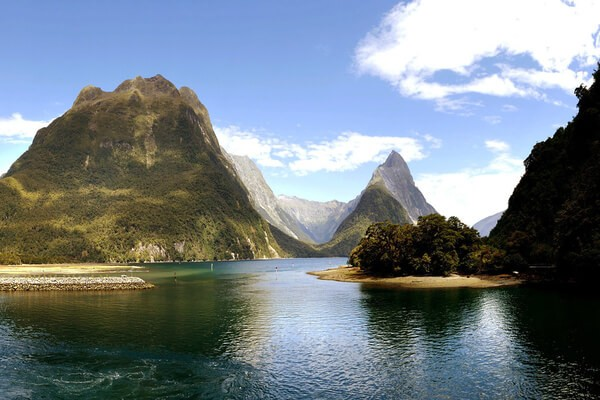 Milford Sound , places to visit in New Zealand
