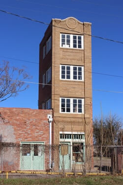 Newby-McMahon Building Smallest Building In The World