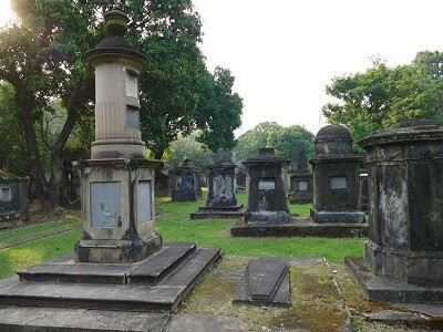 South Park Street cemetery; Places to visit in Kolkata