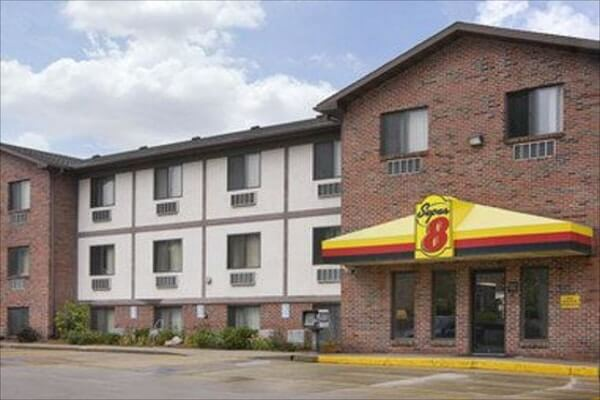 super 8 by wyndham Omaha; things to do near Carter Lake