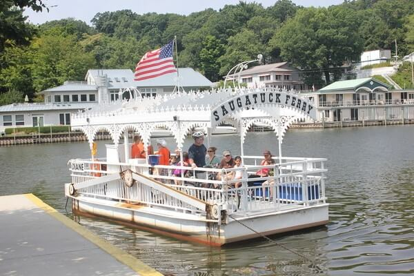 Saugatuck, beautiful day tour from Chicago | Chicago day trips