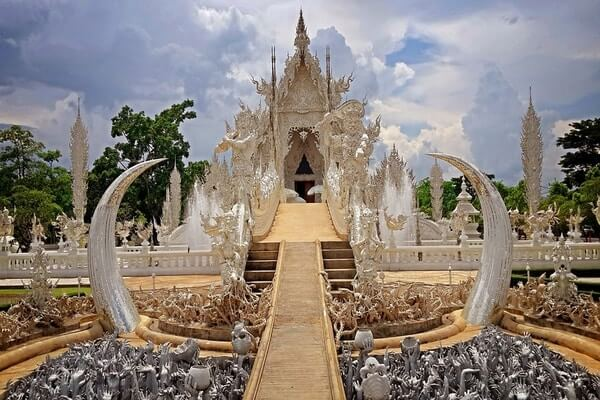 "Wat Rong Khun ""White Temple"", best day trips from Chiang Mai, chiang mai white temple tour, day trip to white temple from chiang mai"